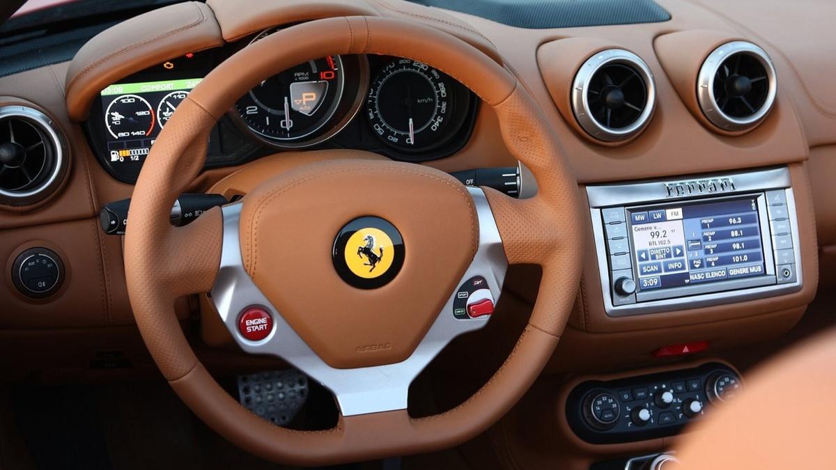 Ferrari_California_TOP_640x360.jpg